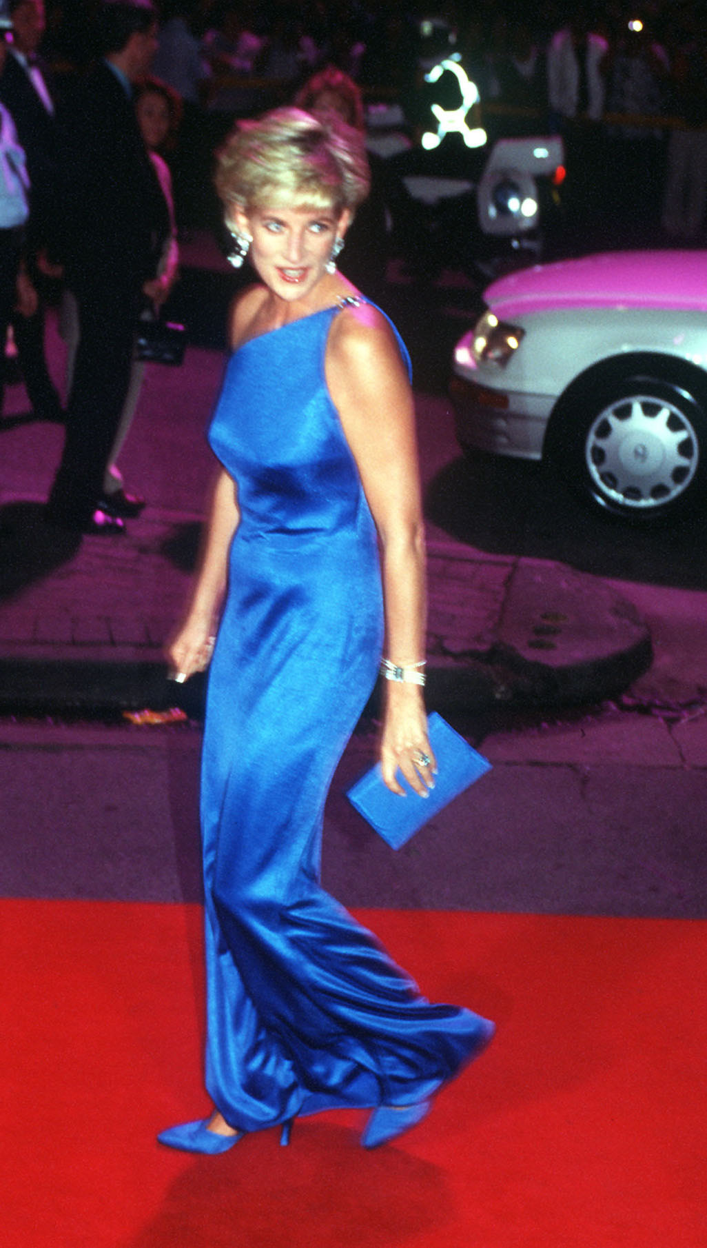 November 1996- Princess Diana, the Princess of Wales arriving at the Victor Chang Cardiac Research Institute Dinner Dance in Sydney, Australia. (Photo by Patrick Riviere/Getty Images)