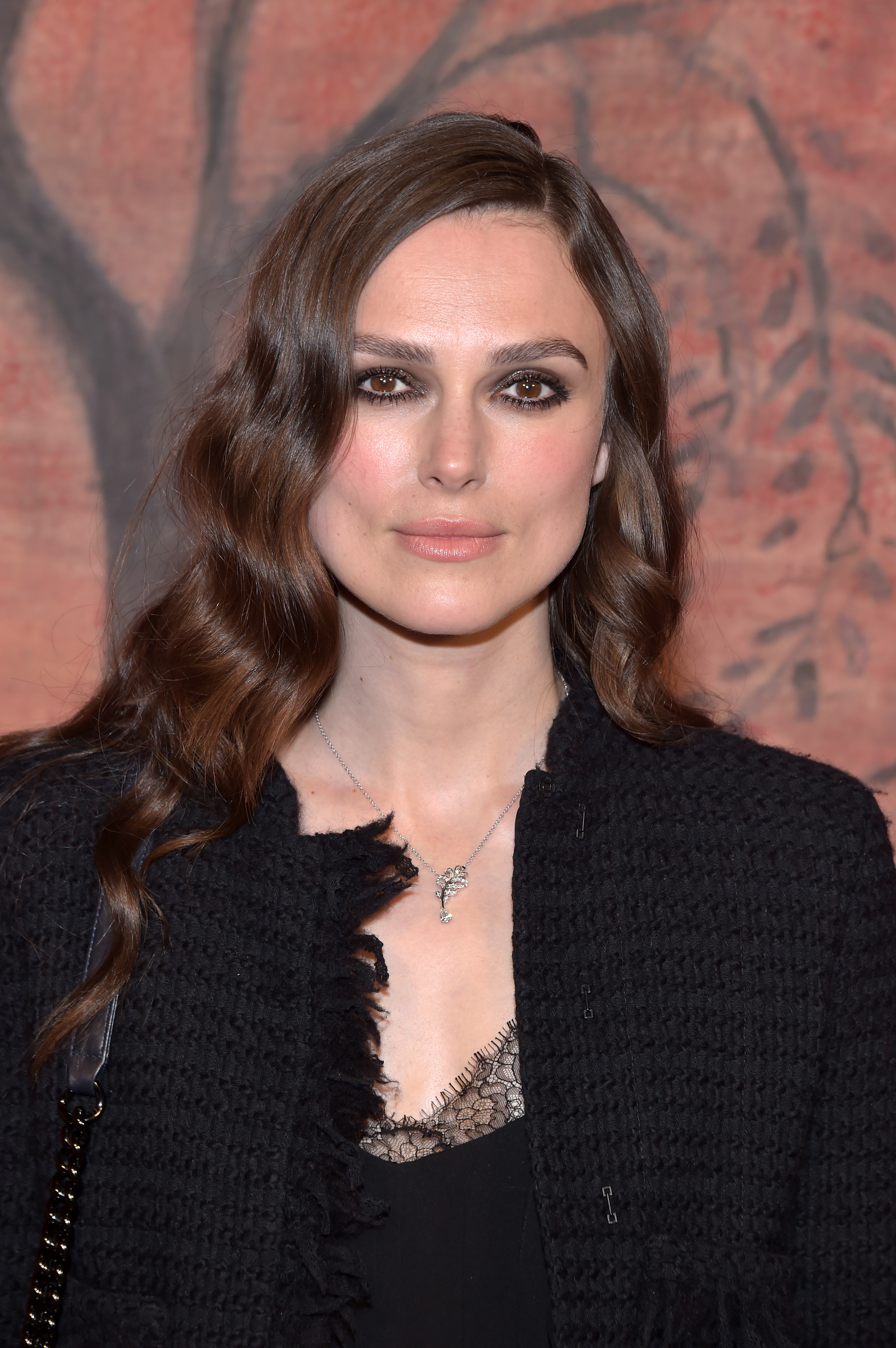 Keira Knightley attends the Photocall of the 'Chanel Cruise 2017/2018 Collection' at Grand Palais on May 3, 2017 in Paris, France.